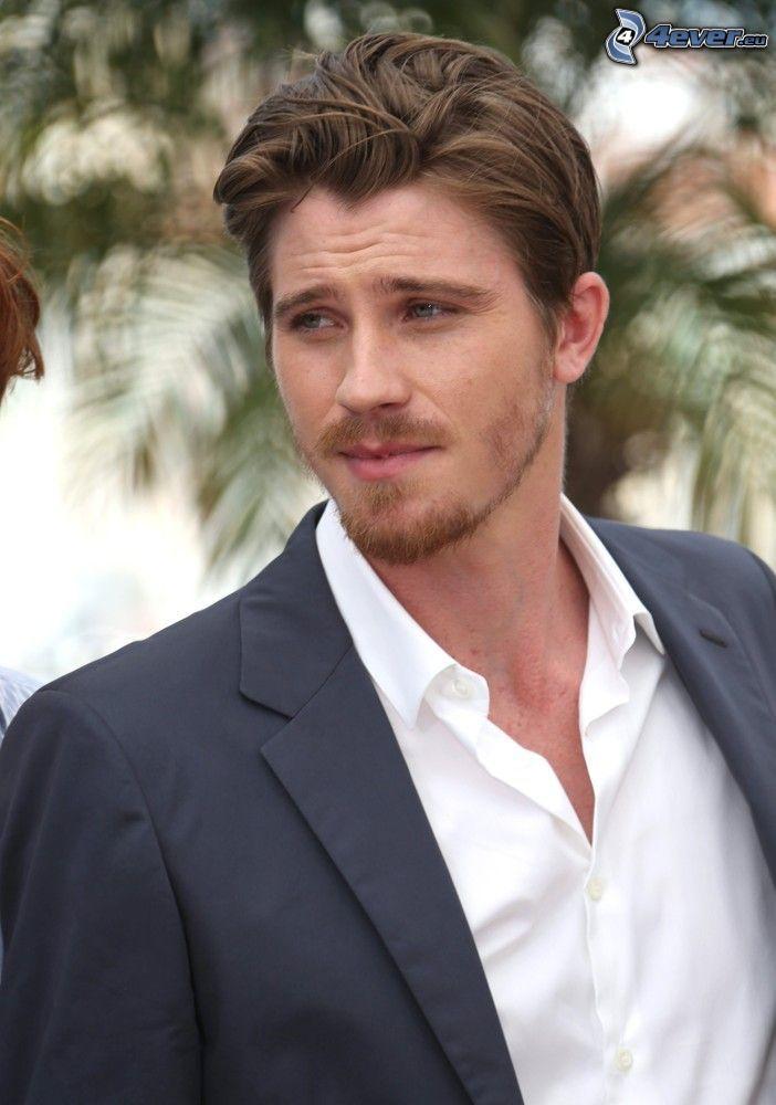 Garrett Hedlund, chaqueta, mirada