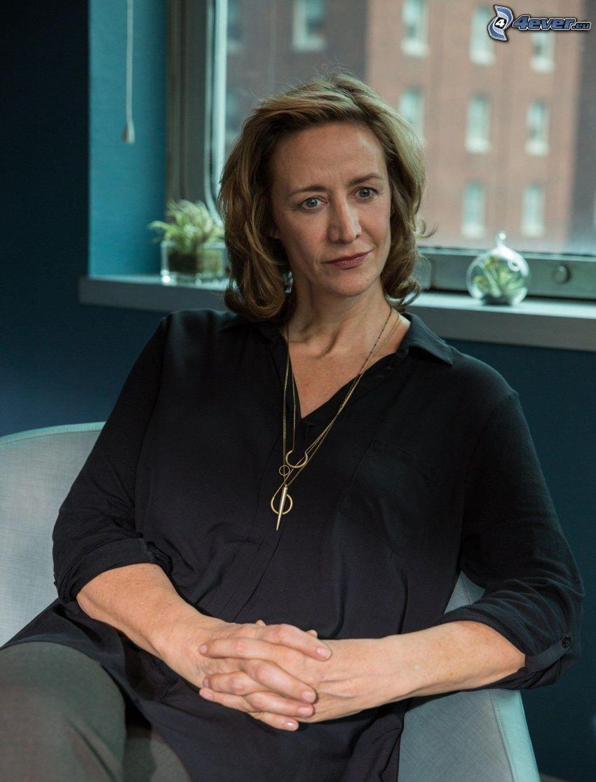 Janet McTeer, camisa