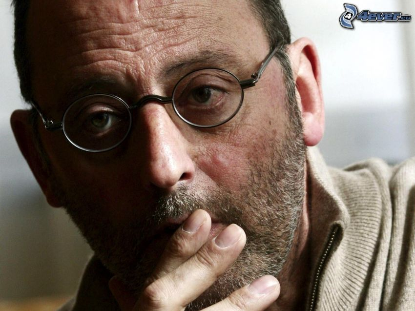 Jean Reno, el hombre con las gafas