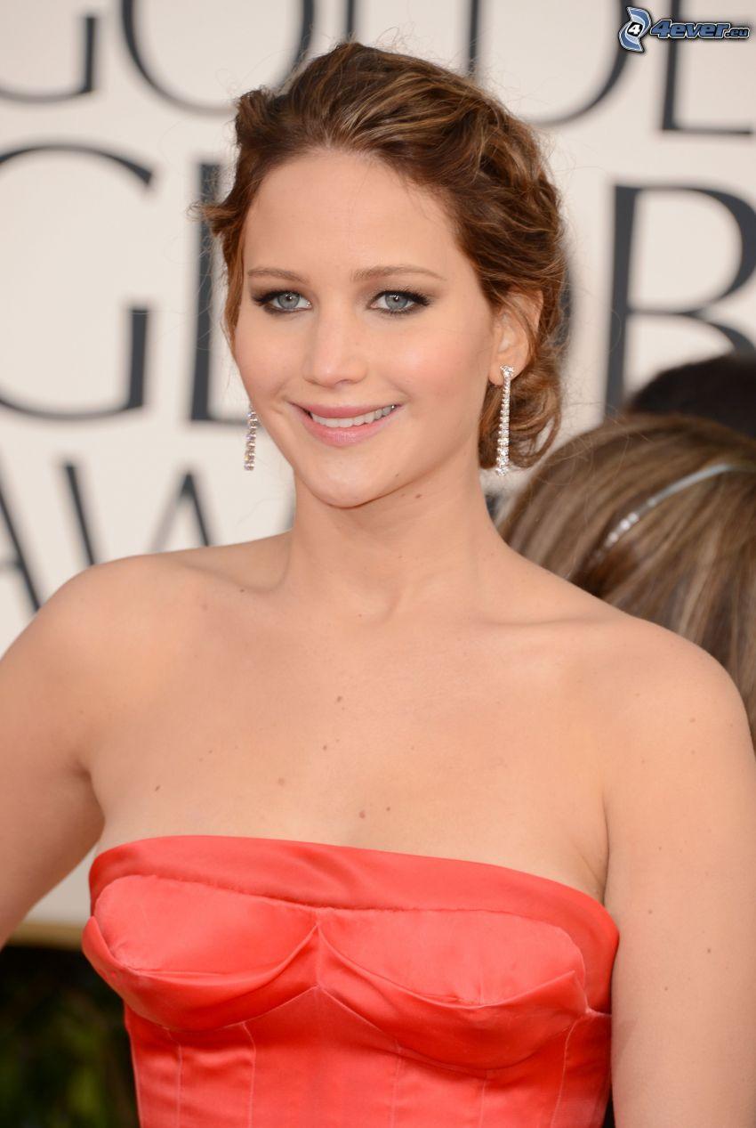 Jennifer Lawrence, vestido rojo, sonrisa