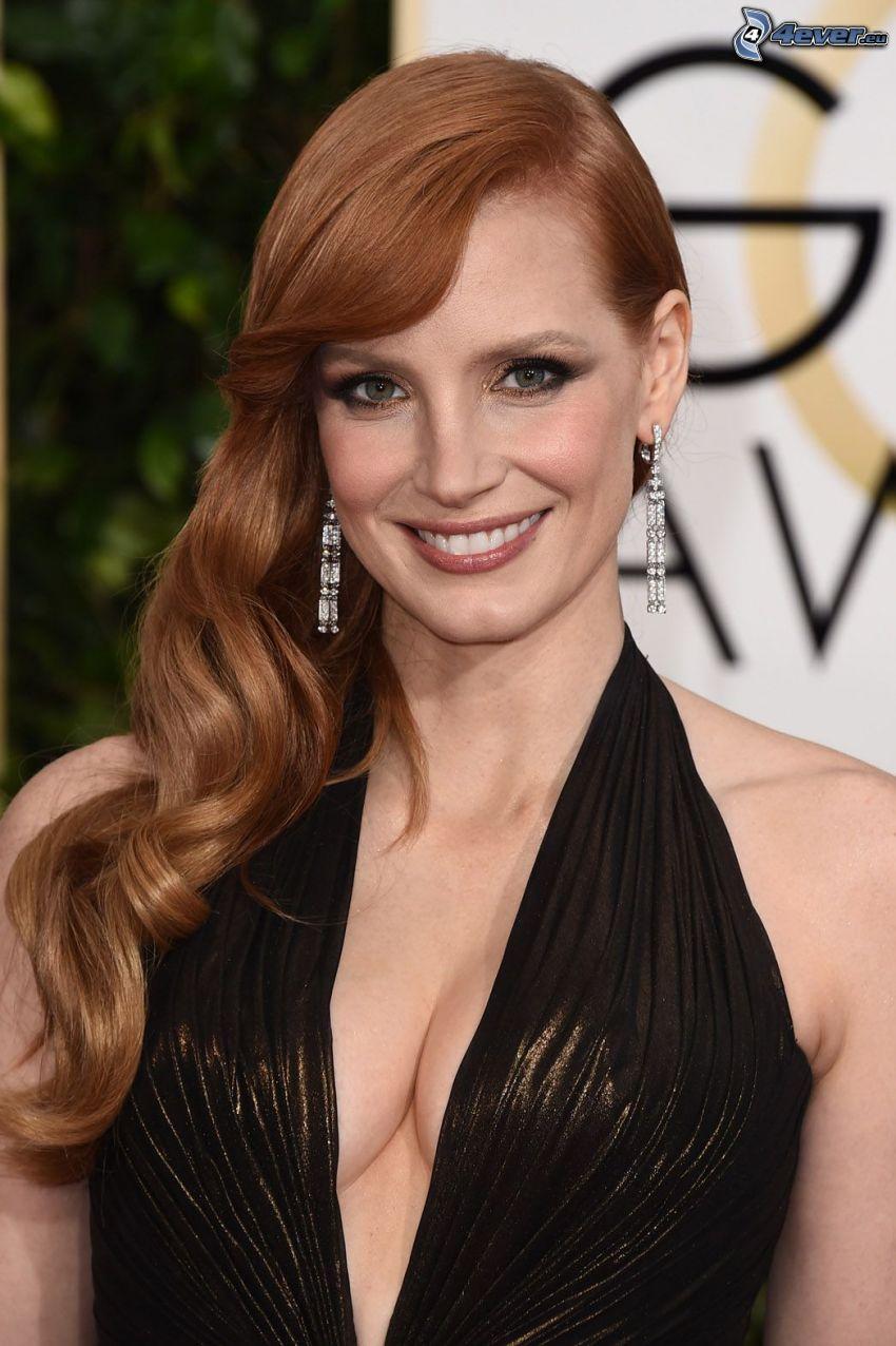 Top 54 Famosas Foroalturas ---- (Las famosas más guapas) Jessica-chastain,-sonrisa,-vestido-negro-242258