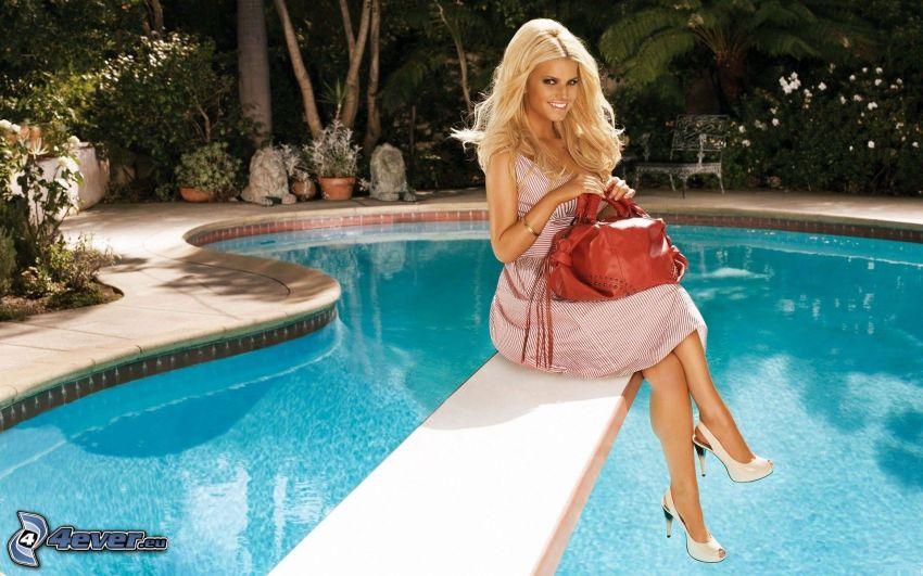 Jessica Simpson, piscina