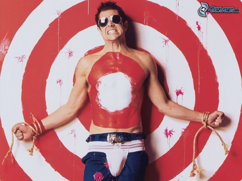 Johnny Knoxville, blanco