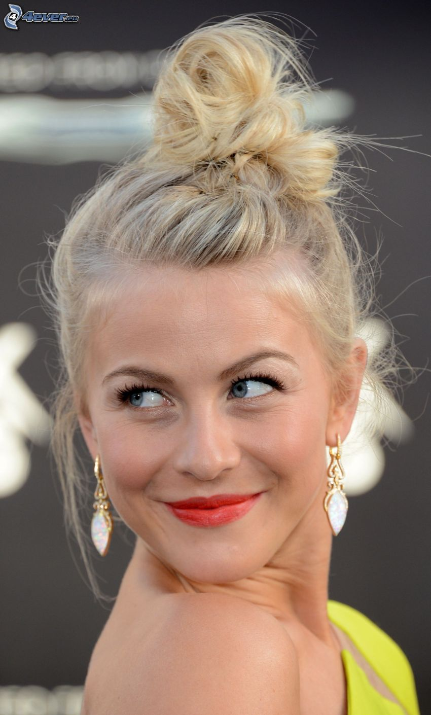 Julianne Hough, mirada