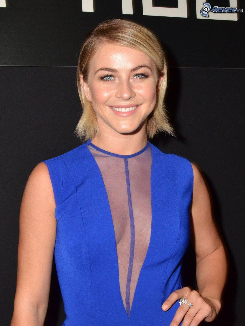 Julianne Hough, vestido azul, sonrisa