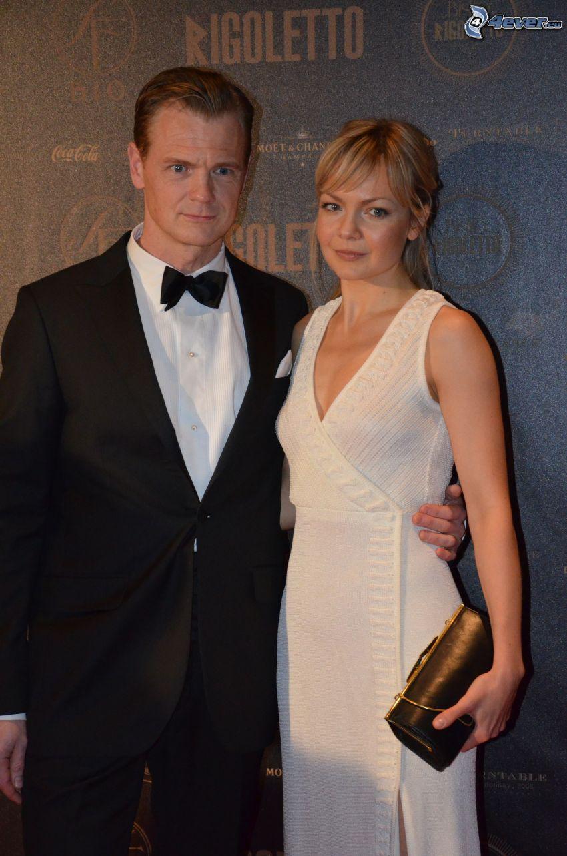 Marie Robertson, Mårten Klingberg, pareja, vestido blanco, hombre en traje