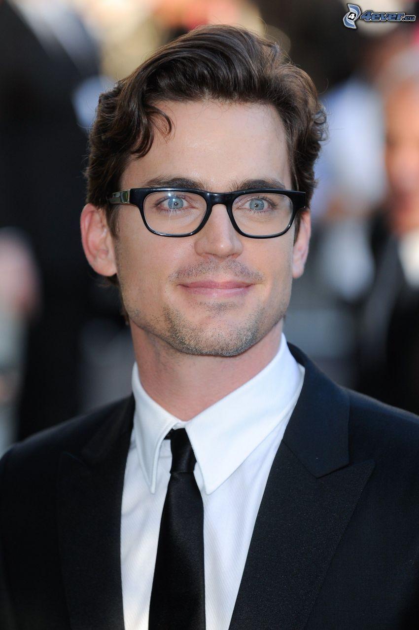 Matt Bomer, hombre en traje, el hombre con las gafas