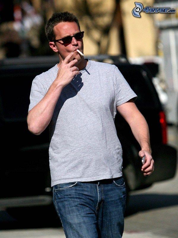 Matthew Perry, fumar
