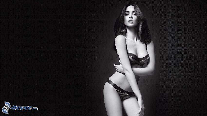 Megan Fox, mujer en ropa inferior
