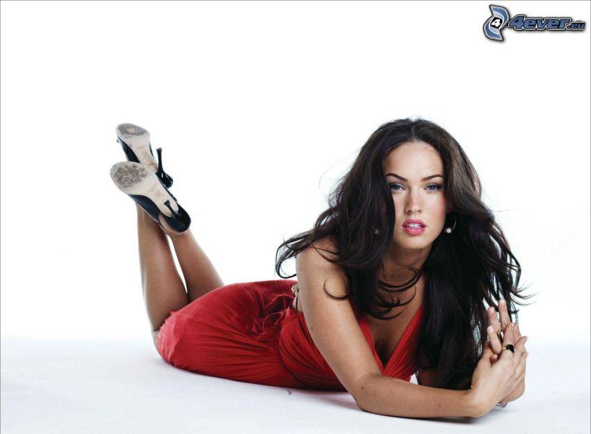 Megan Fox, vestido rojo