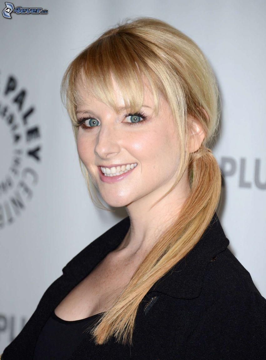 Melissa Rauch, sonrisa, cola de caballo