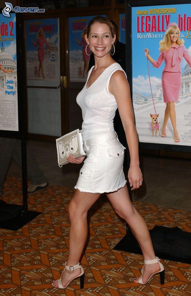 Meredith Monroe, vestido blanco