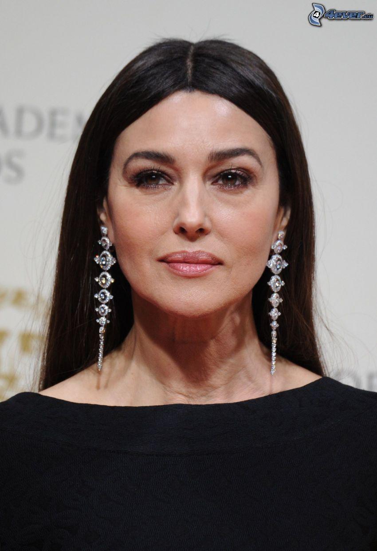 Monica Bellucci, pendientes