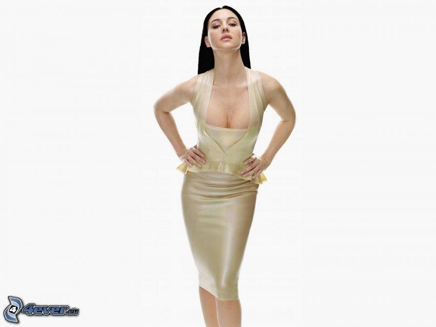 Monica Belluci, vestido blanco