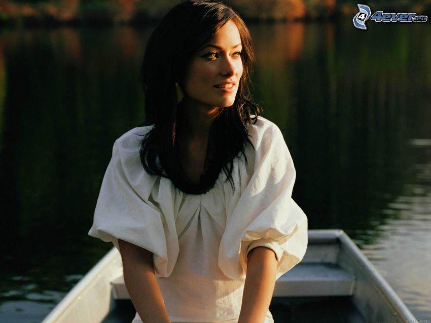 Olivia Wilde, barco, lago