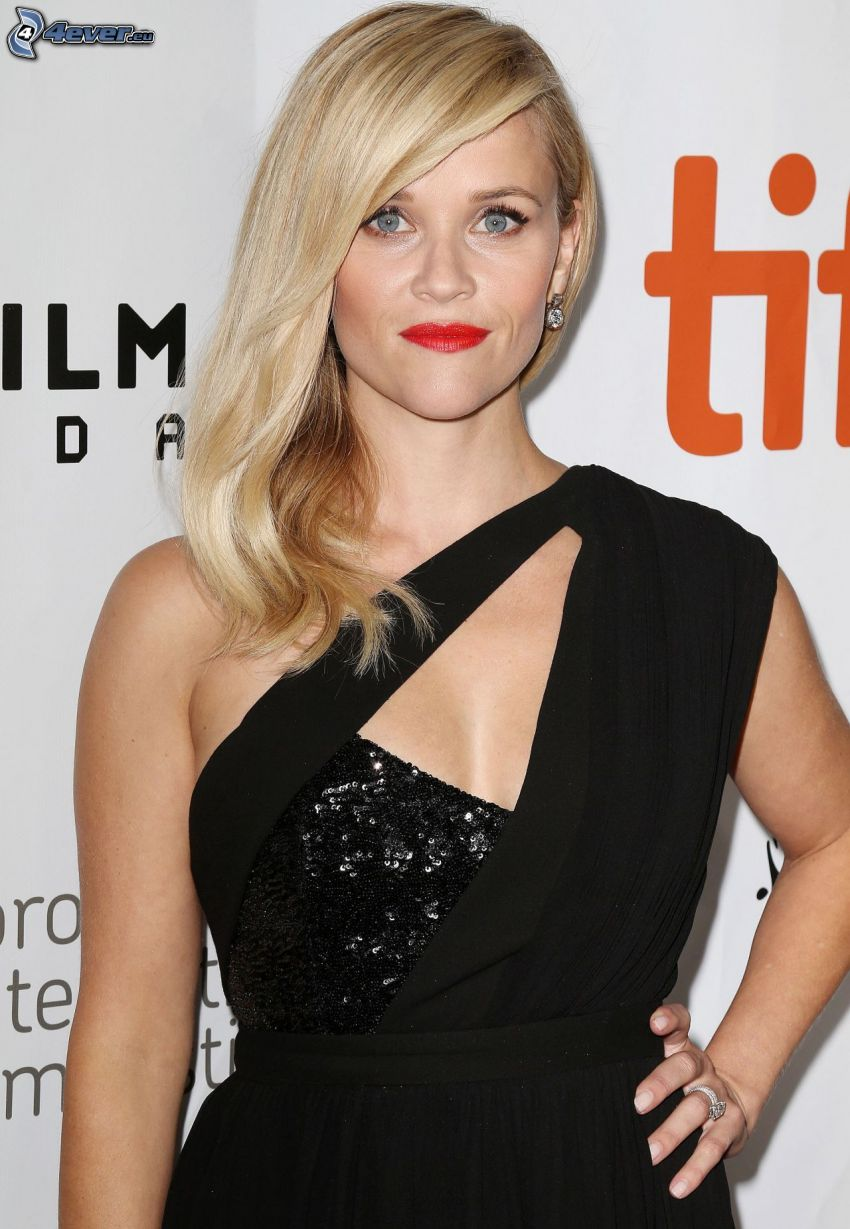 Reese Witherspoon, vestido negro, labios rojos