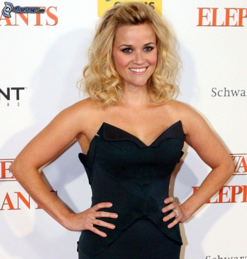 Reese Witherspoon, vestido negro, sonrisa