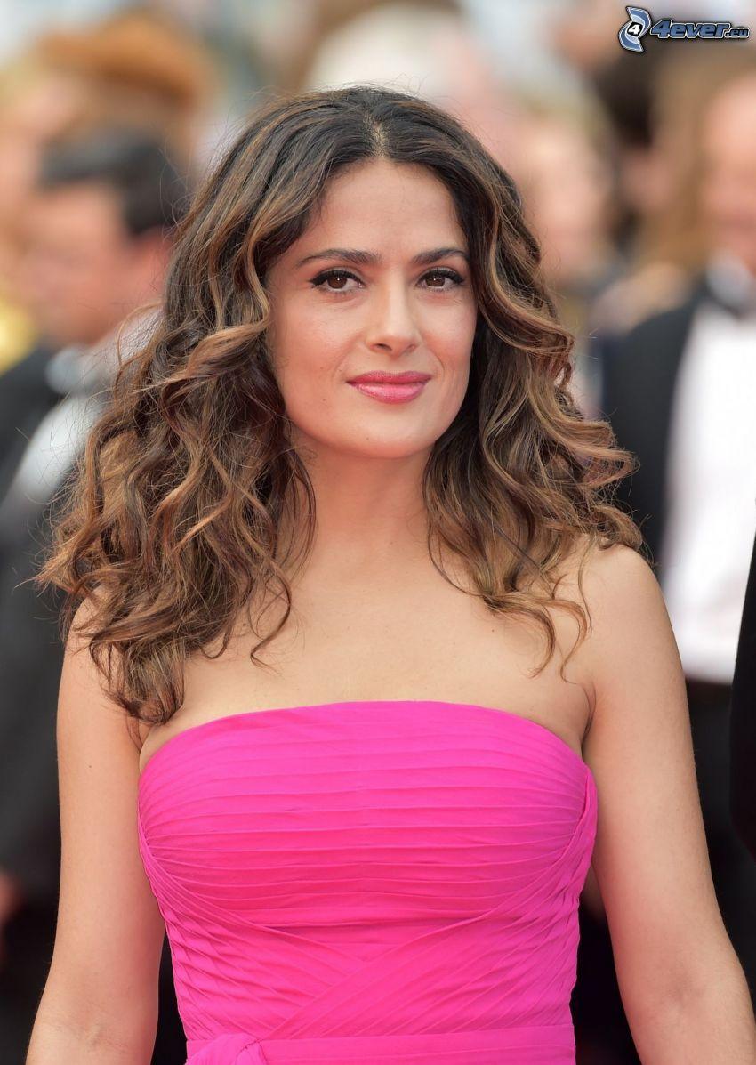 Salma Hayek, vestido de color rosa