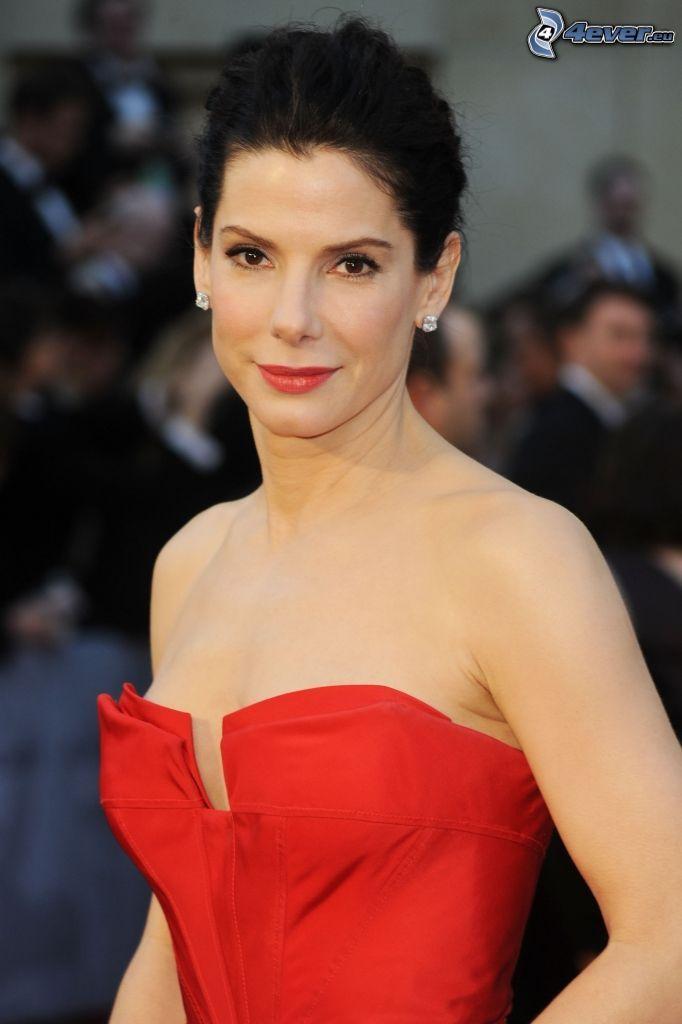 Sandra Bullock, vestido rojo