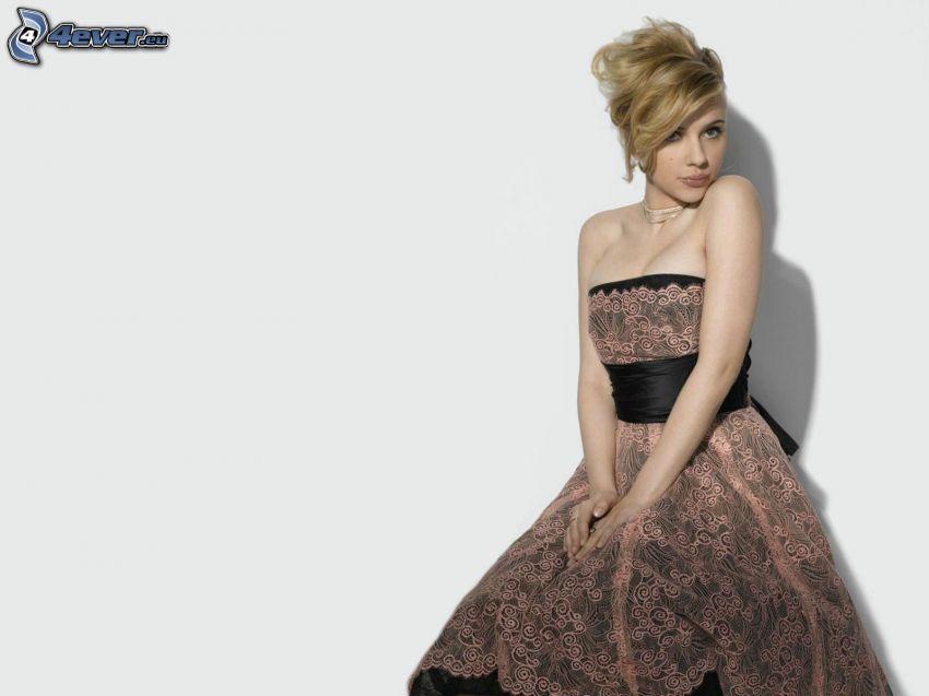 Scarlett Johansson, modelo, vestido