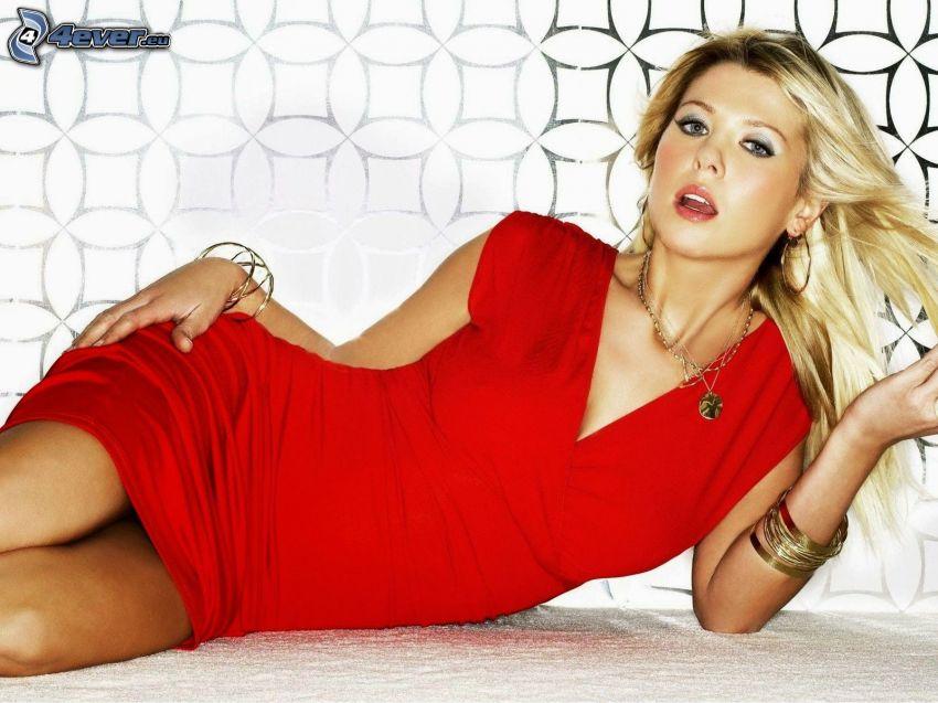 Tara Reid, vestido rojo
