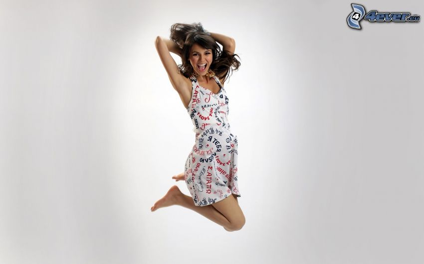 Victoria Justice, salto