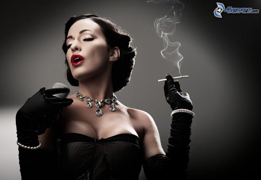 morena, cigarrillo