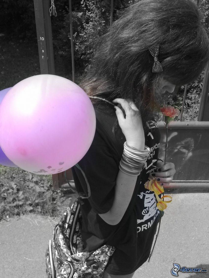 niña con globos, tristeza, flor
