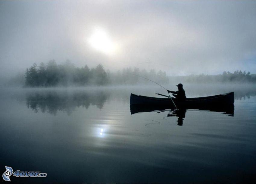 pescador al atardecer, barco, lago, agua, nubes, sol débil