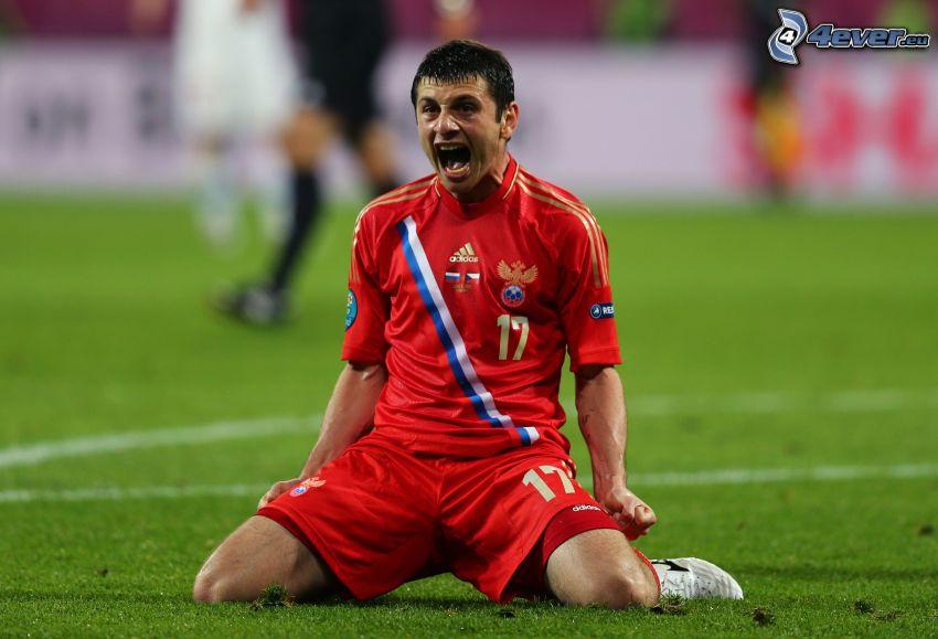 Alan Jelizbarovič Dzagojev, futbolista, alegría