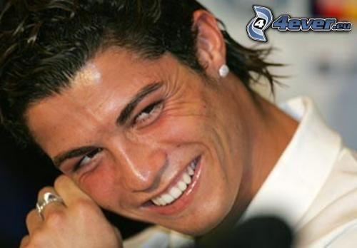 Cristiano Ronaldo, futbolista, anillo