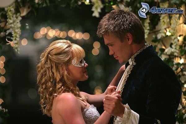 Austin y Sam, A Cinderella Story, baile, carnaval
