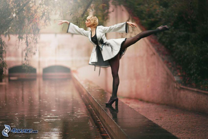 bailarina, postura, río