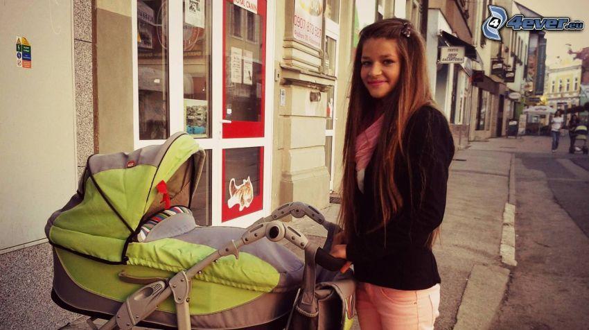 chica, coche de niño, calle