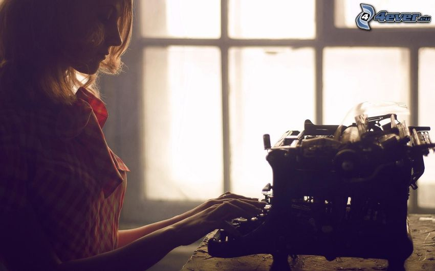 chica, máquina de escribir