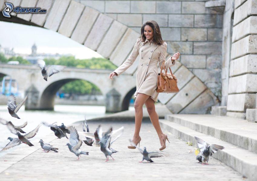 Emanuela de Paula, palomas