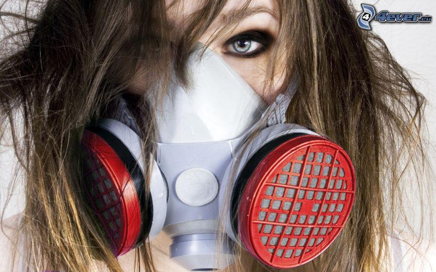 hombre en máscara de gas, careta antigás