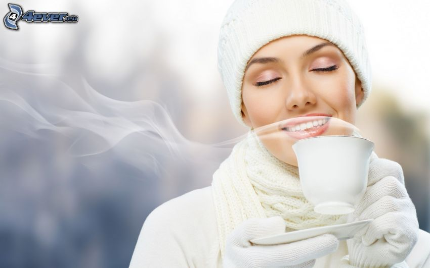 mujer, taza de té, olor