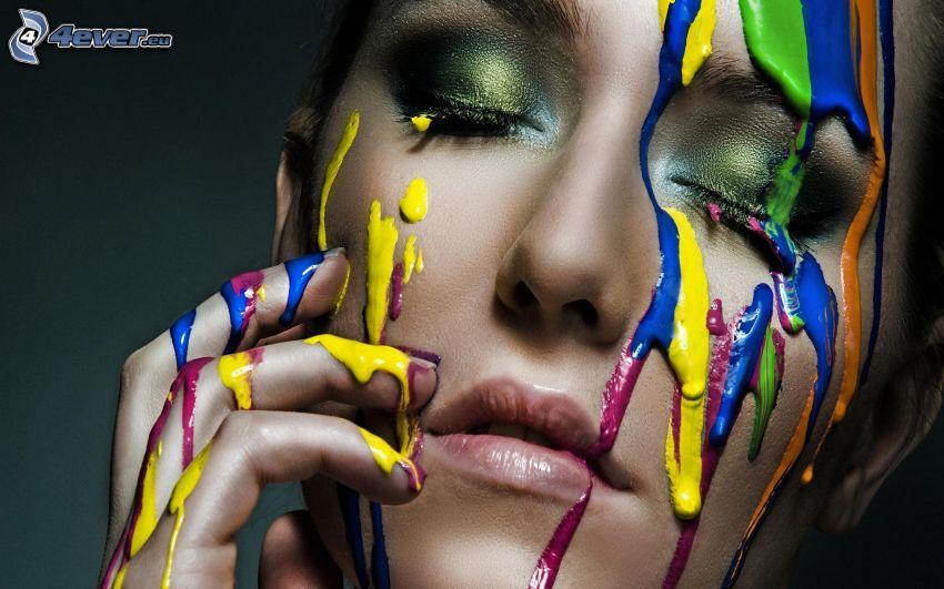 mujer con maquillaje, colores