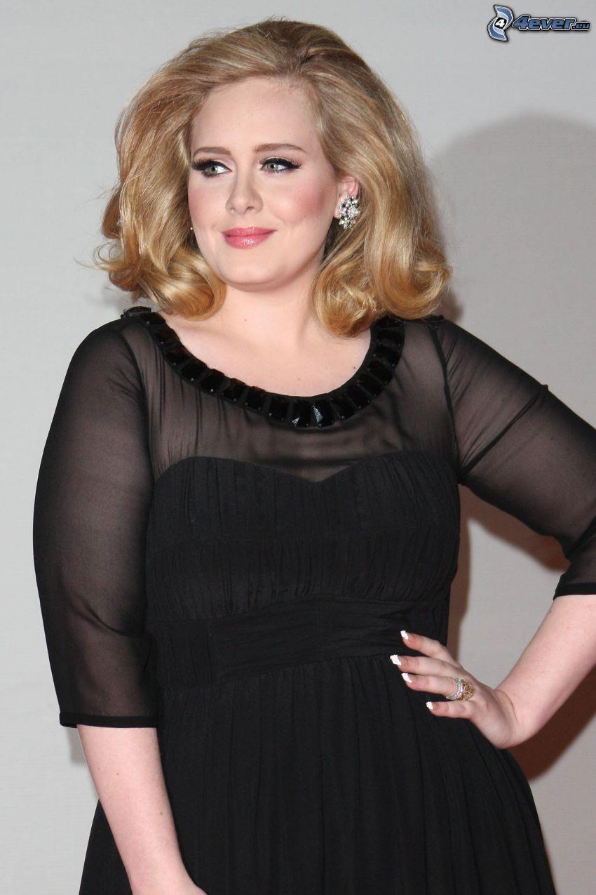 Adele, vestido negro