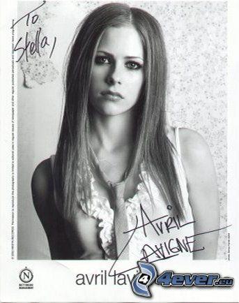 Avril Lavigne, firma, cantante