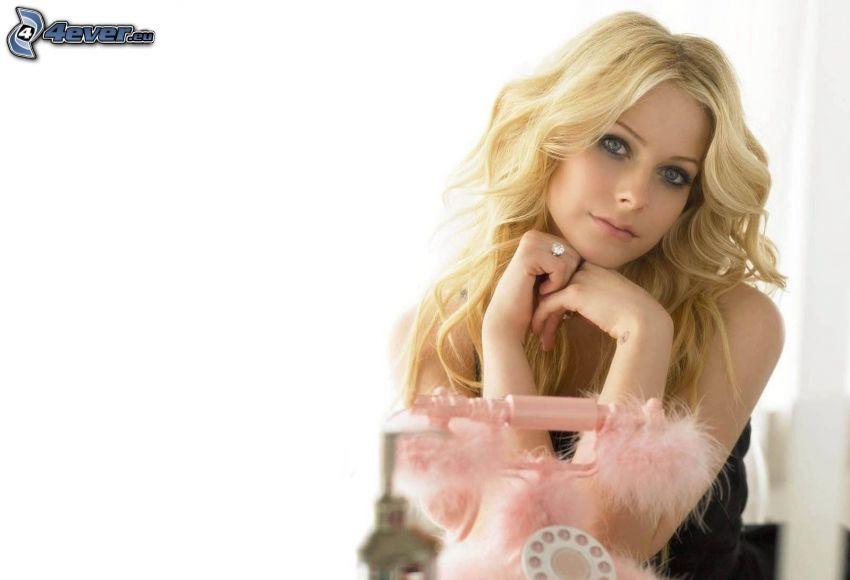 Avril Lavigne, teléfono