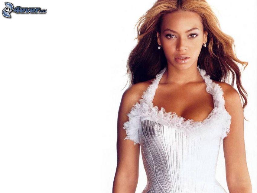 Beyoncé Knowles, vestido blanco