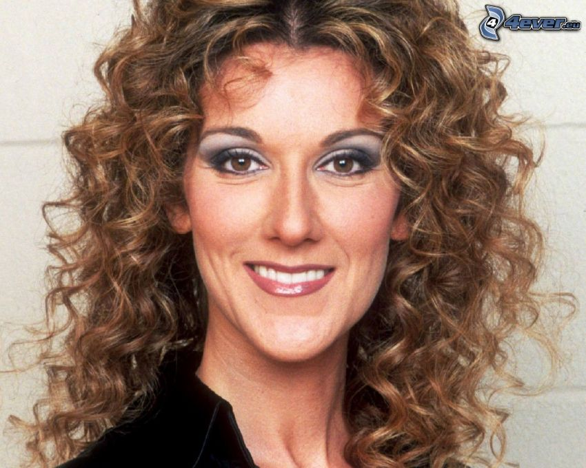 Celine Dion, sonrisa, cabello rizado