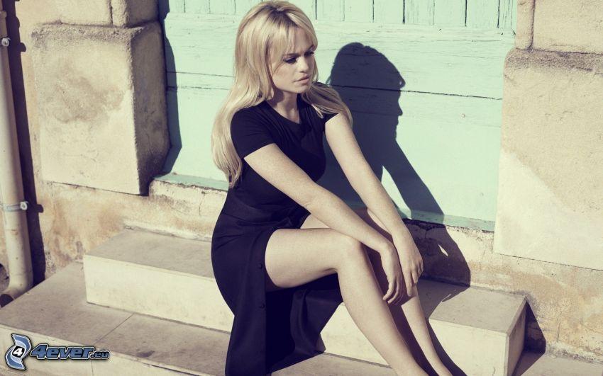 Duffy, vestido negro