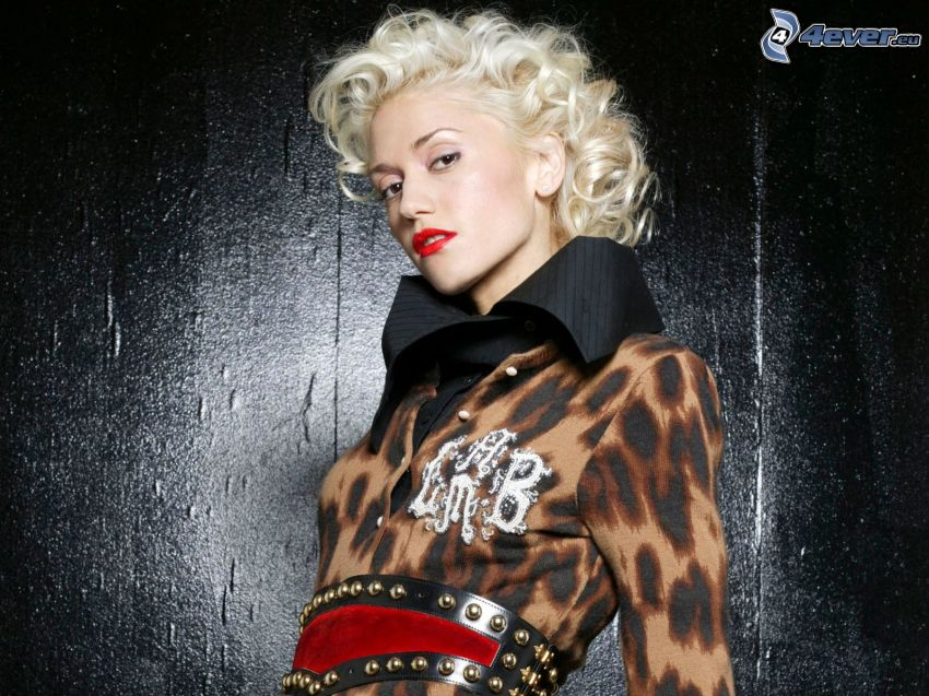 Gwen Stefani, labios rojos, rubia rizada