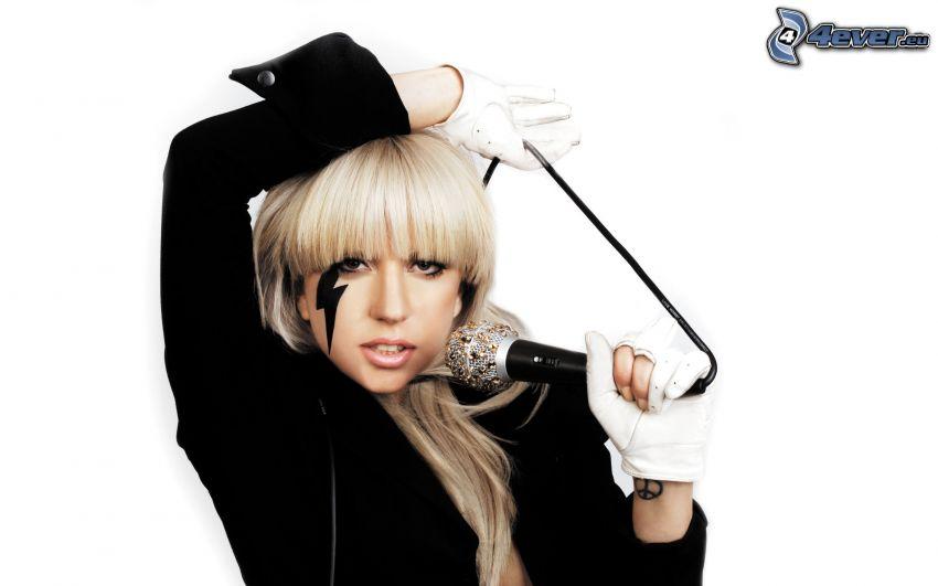 Lady Gaga, micrófono