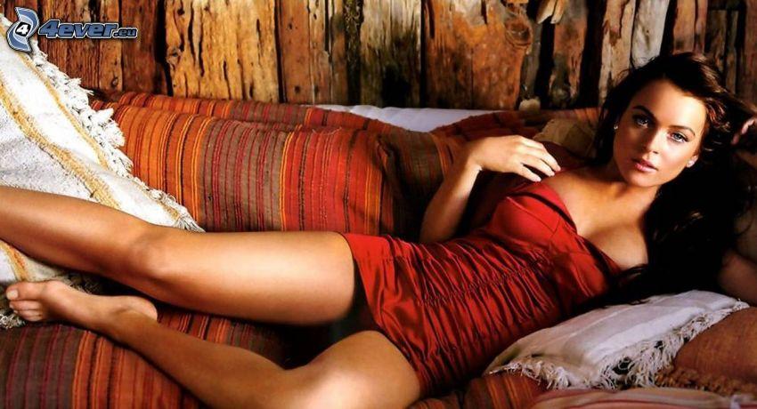 Lindsay Lohan, cantante, sofá