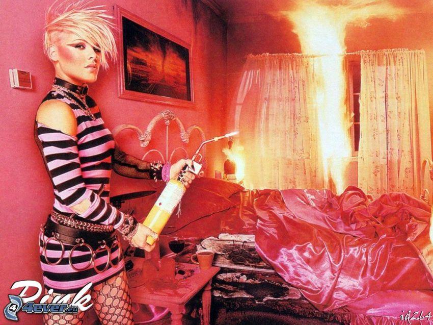 Pink, cantante, fuego