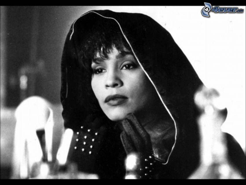 Whitney Houston, Foto en blanco y negro, Capucha